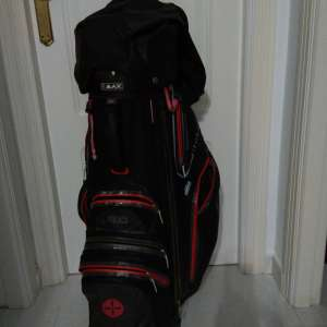 For sale: Free used golf bag