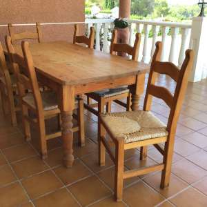 For sale: Solid pine table and 6 chairs - €100