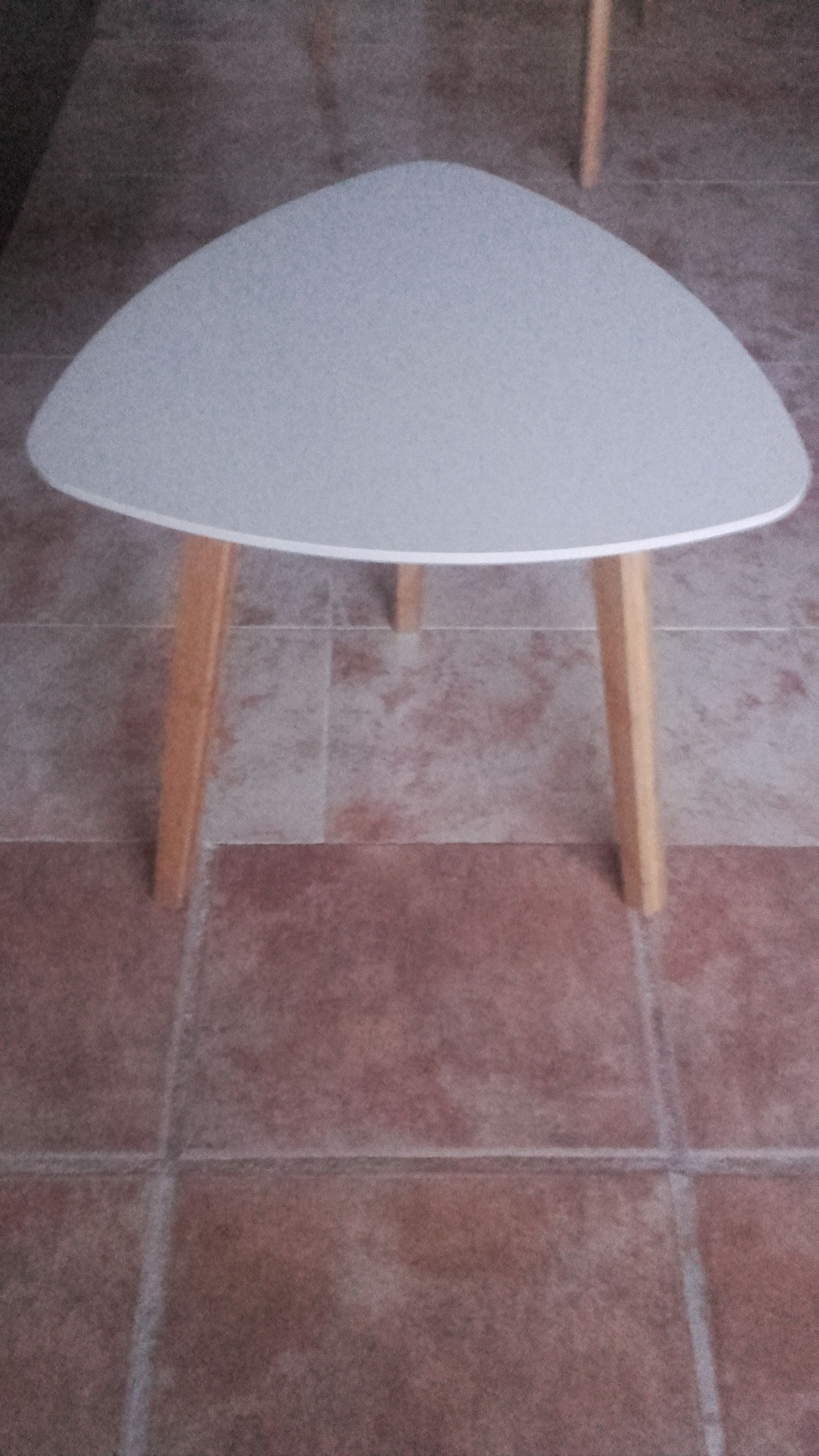 For sale: Small White Table - Buy and sell items in Playa