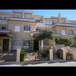3 bed 2 bath house in la zenia - €170,000