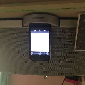 For sale: iPod (8GB) & Bose SoundDock portable music system - €50