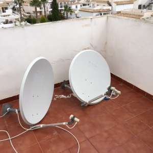 For sale: Two satellite dishes 80cm. - €25