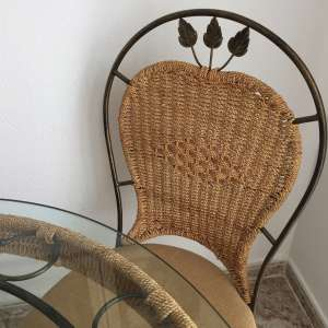 For sale: Dining table and four chairs - €100